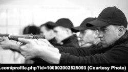 Кадет Михайло Кіндракевич (на передньому плані) під час тренування