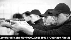Будучы супрацоўнік новай украінскай паліцыі Міхаіл Кіндракевіч (на пярэднім пляне) падчас адной з трэніровак