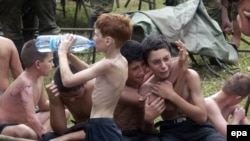 Освобожденные заложники. Беслан 3 сентября 2004 г.