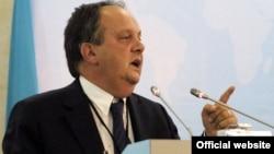 Президент ПА ОБСЕ Жоао Соарес.