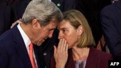 Avropa İttifaqının xarici işlər komissarı Federica Mogherini və ABŞ dövlət katibi John Kerry arasında danışıqlar olacaq