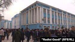 Студенты из Узбекистана в Душанбе. 11 февраля 2020 года.