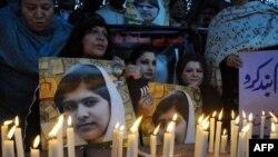 Укук коргоочулардын Малаланы колдогон акциясынан бир көрүнүш, 10-декабрь, 2012-жыл