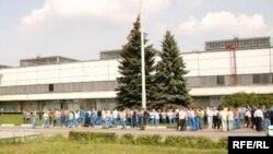 По оценкам независимого профсоюза «Единство», в забастовке 1 августа приняло участие около 500 человек