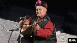 سهراب محمدی تنها بخشیای بود که مدرک درجه یک هنری دریافت کرده بود