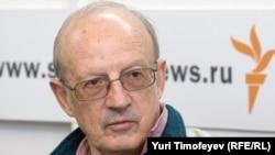 Russia -- Andrey Piontkovsky, political scientist, politologist, Moscow studio, 14Apr2009, время гостей
