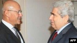 Demetris Christofias (d) i Mehmet Ali Talat 8l)