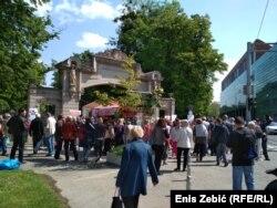 Praznik rada u znaku prikupljanja potpisa za organiziranje referenduma protiv već ozakonjenog povišenja dobi za odlazak u mirovinu, Zagreb