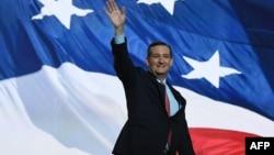 Сенатор від штату Техас Тед Круз вітає делегатів конвенту республіканців, 20 липня 2016 року