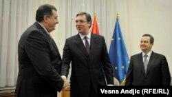 Milorad Dodik, Aleksandar Vučić i Ivica Dačić u Beogradu 22. decembra 2015.