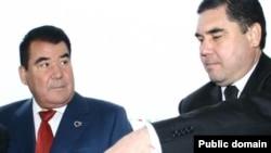 Türkmenistanyň ozalky prezidenti S.Nyýazow (çepde) we şol wagtky saglyk ministri G.Berdimuhamedow.