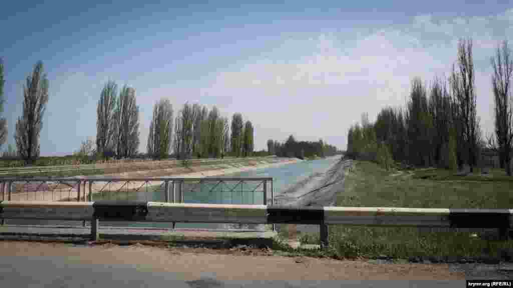 Однак ще навесні 2018 року російський Держкомводгосп повідомляв, що води у водосховищах вистачить для постачання абонентів до кінця року