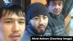 Ахрал Азімов (праворуч) зі своїми синами, підозрюваними у вибуху в метро Санкт-Петербурга