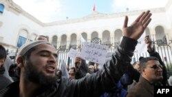 گروهی از سلفیهای تونس- عکس تزئینی است.