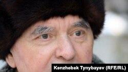 Герольд Бельгер, қазақ жазушысы. Алматы, 27 желтоқсан 2009 жыл.