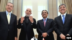 Turkish Prime Minister Recep Tayyip Erdogan, Afghan President Hamid Karzai, Pakistani President Asif Ali Zardari, Turkish President Abdullah Gul (left to right) in Ankara