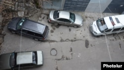 Armenia - A courtyard in Yerevan where opposition presidential candidate Paruyr Hayrikian was shot and wounded, 01Feb2013.