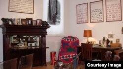 Американский кабинет Иосифа Бродского в Петербурге. Снимки Татьяны Вольтской