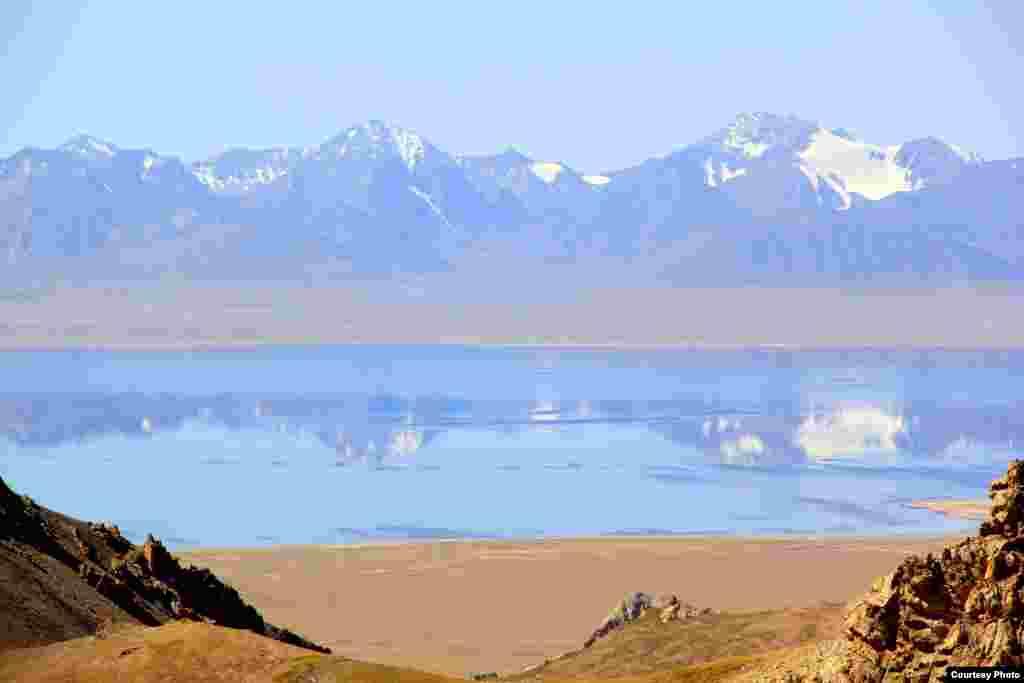 Конный тур по маршруту Озеро Сон-Куль - перевал Молдо-бел - река Нарын - джайлоо Орто-Сыр - долина Ат-Башы - караван-сарай Таш-Рабат - долина Ак-Сай - озеро Чатыр-Куль.