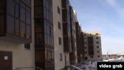 """Недостроенный жилой дом комплекса """"Коктал-2"""" в Астане. 7 января 2017 года."""