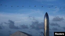Прототипа на най-новата ракета Starship на SpaceX и Илон Мъск