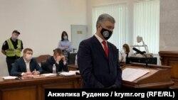 Petro Poroshenko gives testimony at the Kyiv Court of Appeals on June 15.