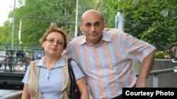 Azerbaijani rights activtists Leyla Yunus (right) and Arif Yunus (file photo)