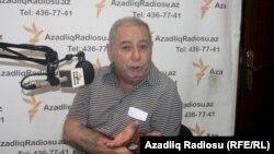Акрам Айлисли дает интервью Радио Свобода