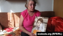 Вольга Грунова з партрэтам малалетняга сына