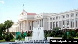 Здание Сената Узбекистана.