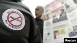 Корреспондентов независимых и оппозиционных СМИ не допускают в местные органы власти, отказывают в аккредитациях