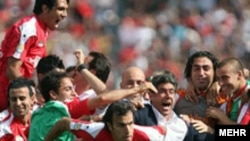 پرسپوليس با کسب ۵۹ اميتاز قهرمان ليگ برتر باشگاههای ايران، جام خليج فارس شد. عکس از مهر