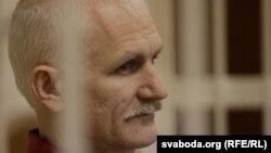 Алесь Бяляцкі