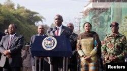 Ministri i brendshëm kenian, Joseph Ole Lenku