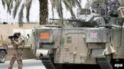 نیروهای ارتش بریتانیا در بصره در سال ۲۰۰۶ (عکس از آرشیو)