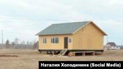 Дом многодетной семьи из Якутии в квартале Северный, оставшемся без инфраструктуры