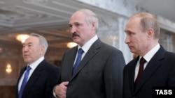 Справа налево: президенты России, Беларуси и Казахстана (архив)