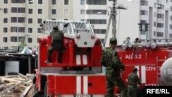 Астаналық өрт сөндірушілер. Көрнекі сурет. 17 мамыр 2010 жыл.