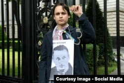 Крістіан Жереги під час акції на підтримку Олега Сенцова