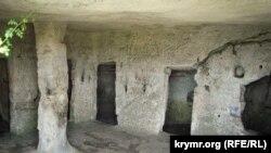 Пещерный город на плато Мангуп