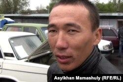 Шыңғыс Уәлиханұлы, көлік сатушы. Алматы, 29 қыркүйек 2012 жыл.