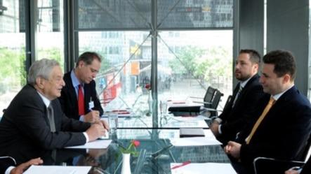 Поранешниот премиер Никола Груевски се сретна со основачот и претседавачот на Фондациите отворено општество, Џорџ Сорос во Прага на 27 јуни 2011 година.
