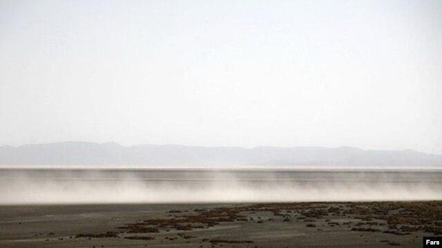 بادهای نمک دریاچه ارومیه