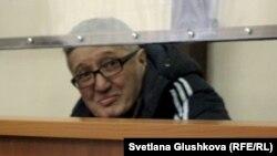 Пастор Бақытжан Қашқымбаев сотта отыр. Астана, 22 қаңтар 2014 жыл.