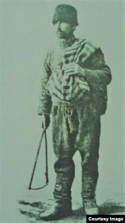 Țăran din Basarabia (Foto: Ion Țurcanu, Mihai Papuc, Basarabia în actul Marii Uniri de la 1918)