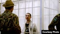 Ruslan Sharipov in custody in Uzbekistan some time during 2003-04