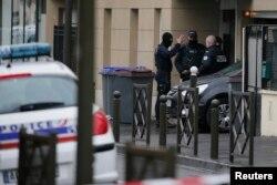 نیروهای سازمان ضدتروریستی فرانسه، پنجشنبه گذشته به خانهای در منطقه «ارژانتوی» هجوم بردهاند.