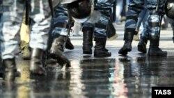 Сотрудники полиции на Болотной площади в Москве, 6 мая 2012 года