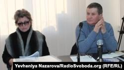 Мати «Скіфа» Олена Шаран і захисник родини Олексій Гармаш