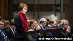 Олена Зеркаль під час слухань у міжнародному суді в Гаазі, Нідерланди, 6 березня 2017 року
